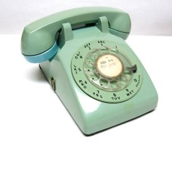 old-fashioned-phone
